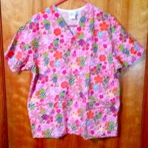 Peaches scrub top medium frogs and flowers